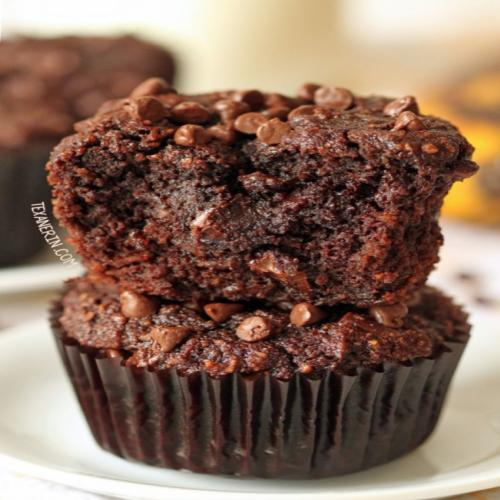 Muffins de banana e chocolate