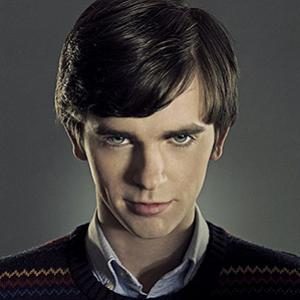 """Bates Motel"": maníaco mais famoso do cinema ganha nova chance na TV!"