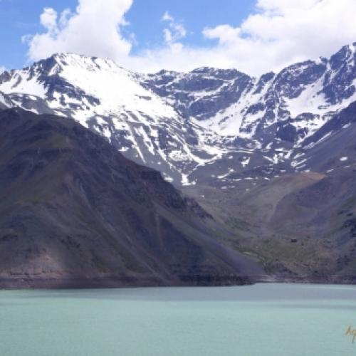 Embalse El Yeso, um lugar surreal no Chile.