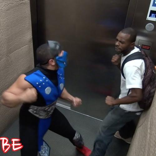 Epic prank do Sub-Zero no elevador