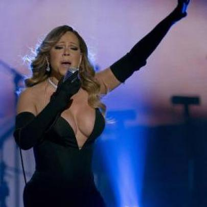 Mariah Carey abusa do decote e causa frisson em lançamento de single